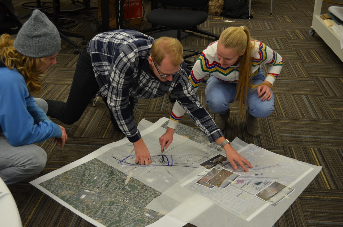 Students and Faculty Work Together for Design Charrette